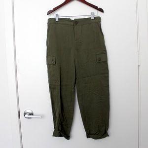 Banana Republic Green Cargo-Style Pants
